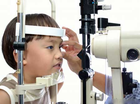 Токсокароз может вызвать проблемы с глазами и мозгом.