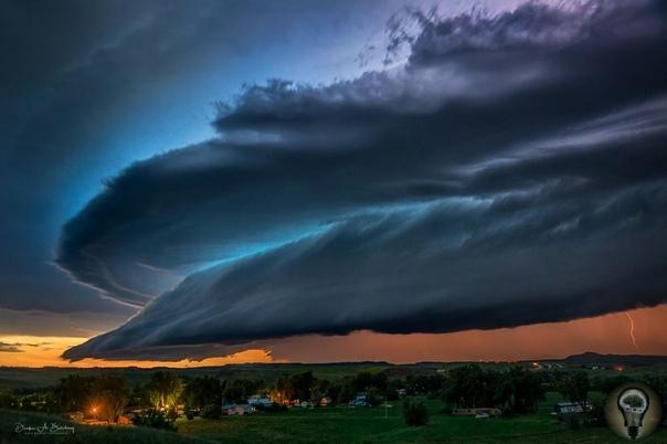 Удивительные свойства ураганов на других планетах. В начале ХХ века знаменитый писатель-фантаст Эдгар Берроуз мог только мечтать о космических путешествиях. Благодаря своей неуемной тяге к
