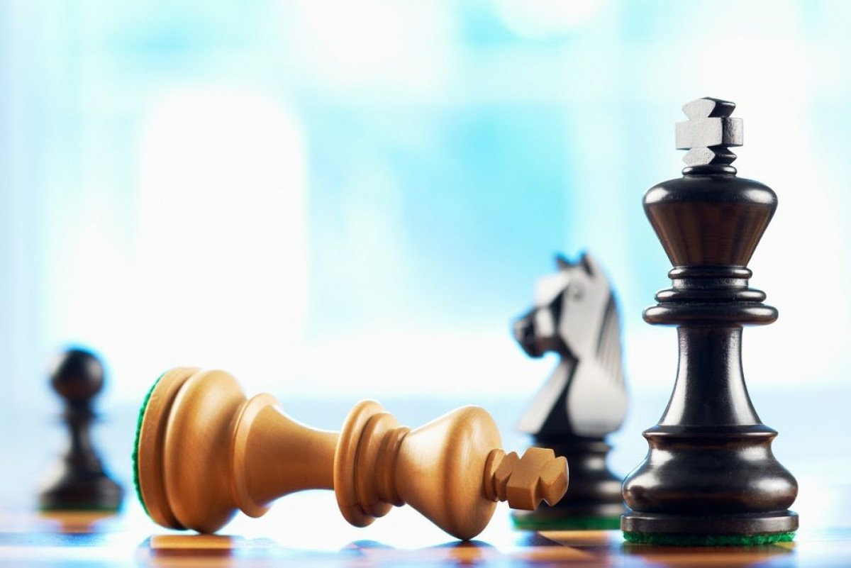 Апреля смешные, фон для открытки шахматы