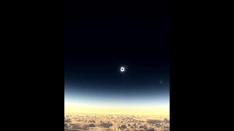 Solar Eclipse from an airplane | Солнечное затмение с самолёта