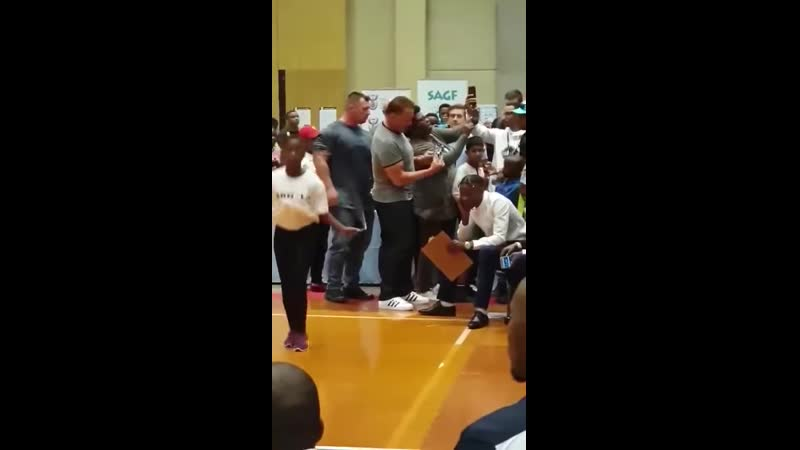 Arnold gets kicked attacked at a convention in South Africa win stupid prizes monkeys on the loose 2