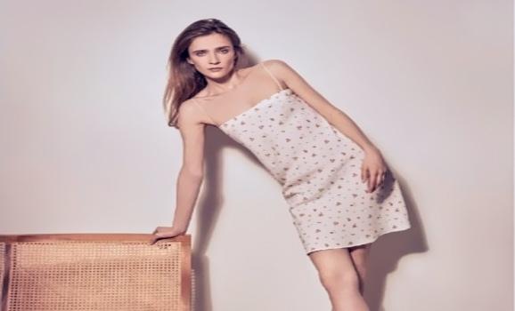 Летние платья порхающего скольжения, что придумали британские стилисты?