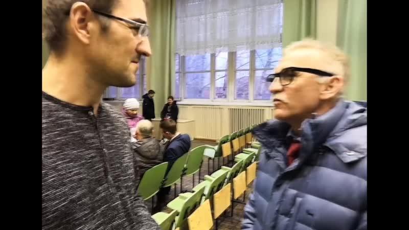 Нападение зам.председателя думы города Серова Александра Якимова, на блогера Александра Ковалева