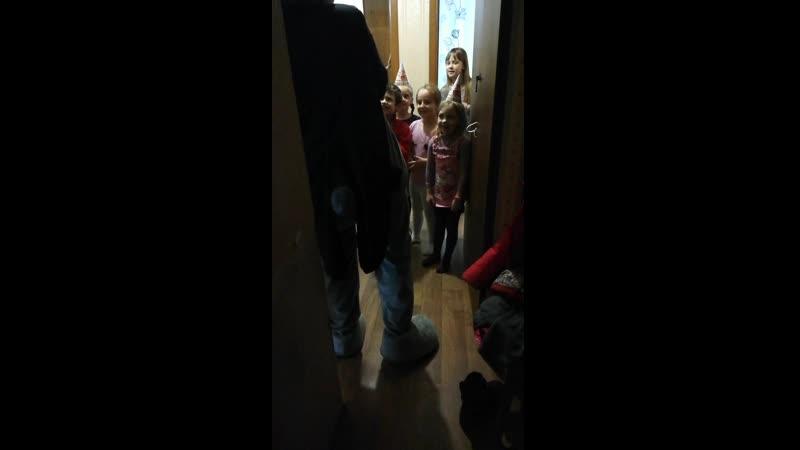 27.02.19 Мишка Тедди поздравлял Афинку с днем рождения, 5 лет👏👏👏
