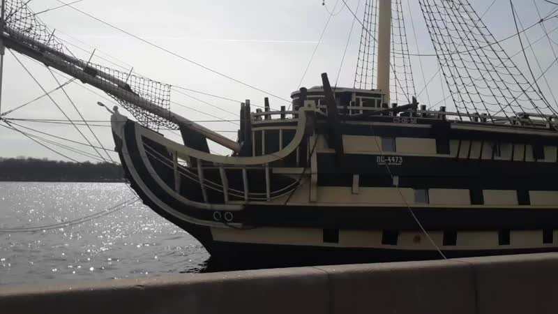 Санкт-Питербург - Пироговская набережная. Корабль Ресторан.