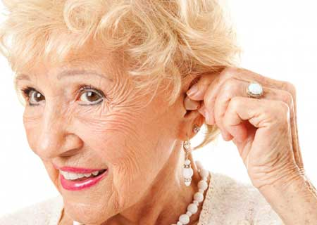 Некоммерческие организации могут предлагать бесплатные слуховые аппараты нуждающимся.