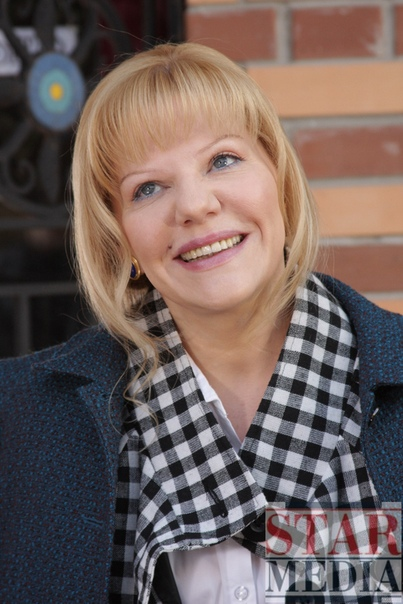 actor Александра Захарова. Александра Марковна Захарова (17 июня 1962 года) - советская и российская актриса театра и кино. Биография. Родилась в Москве. Наверное, судьба дочери, родители