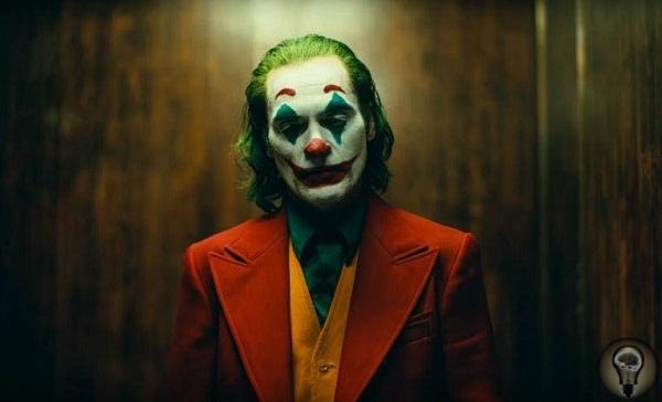 «Джокер» Тодда Филлипса Главный враг Бэтмена обретает биографию и вдохновляет Готэм на революцию. Один из главных злодеев по версии многочисленных рейтингов Джокер оставался персонажем без