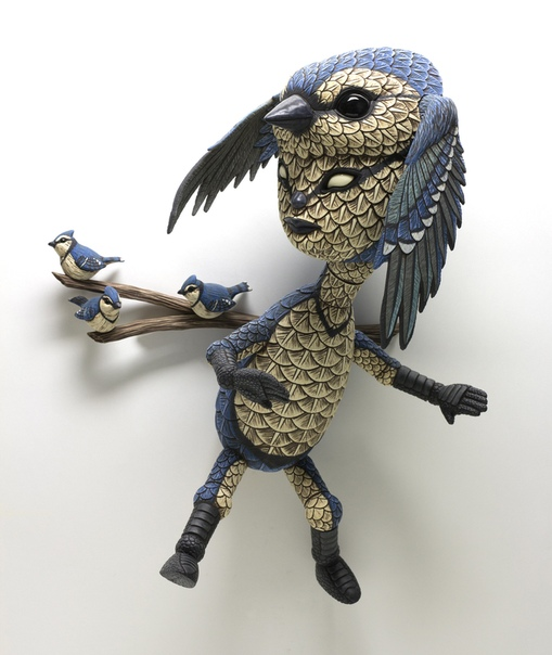 Гибридные скульптуры человека и птицы от Кельвина Ма