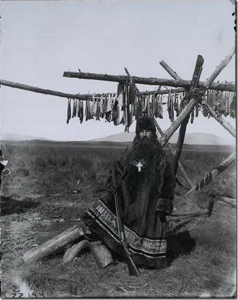 Русский священник в оленьих шкурах (Россия, Дальний Север, 1901 год)