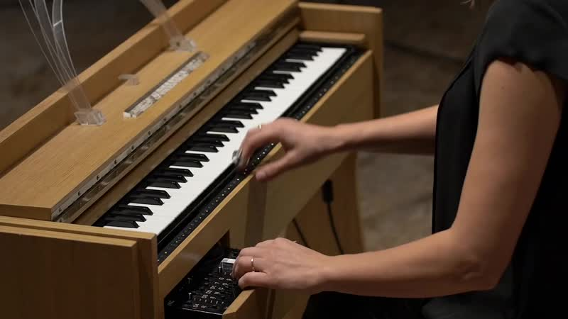 1011 (4) J. S. Bach - Suite No.5 in C minor, BWV 1011 /4. Sarabande - Suzanne Farrin, ondes Martenot