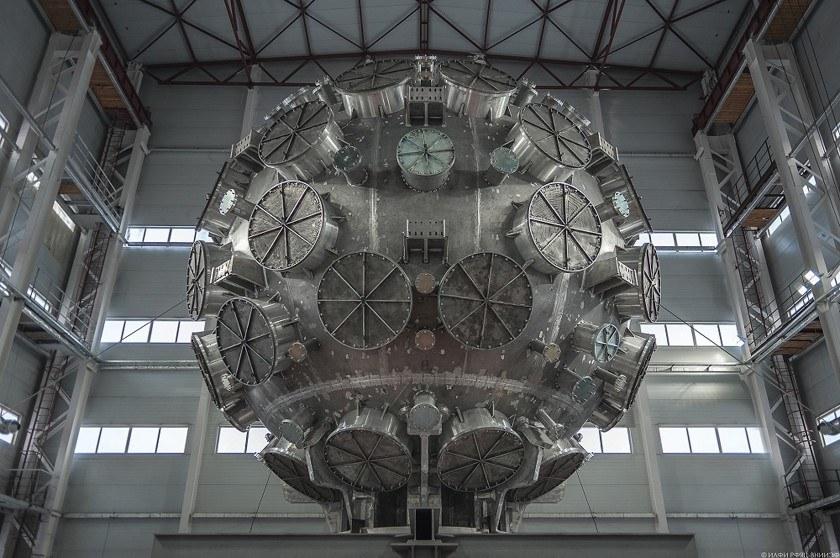 Российские ученые испытают самый мощный лазер в мире