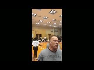Неизвестный напал на Арнольда Шварценеггера в ЮАР