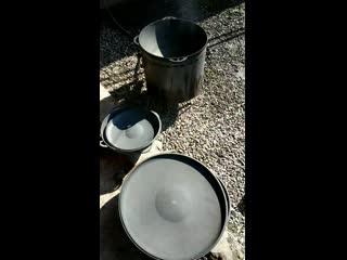 Обжиг чугунного казана, сковороды и прочего в режиме онлайн.mp4