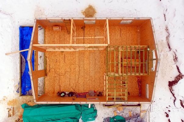 Собраны стены и перегородки скандинавского дома со вторым светом в Васильевке 👌🏻 Прилагаю планировку - можно сравнить идею и реализацию.  #ультрасип_васильевка