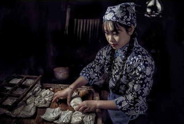 Эти фотографии, показывающие людей за работой, были выбраны в рамках фотоконкурса , проводимой компанией AGORA images, и они