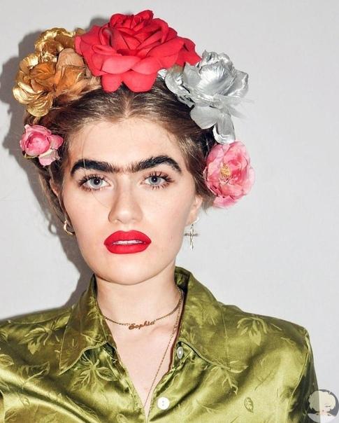 София Хаджипантели  модель со сросшимися бровями, которая отказывается их выщипывать