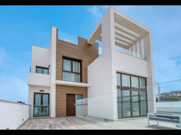 Maison moderne ✅ 3 chambres 3 salles de bains piscine solarium sous sol ✅ à vendre à Torrevieja en E
