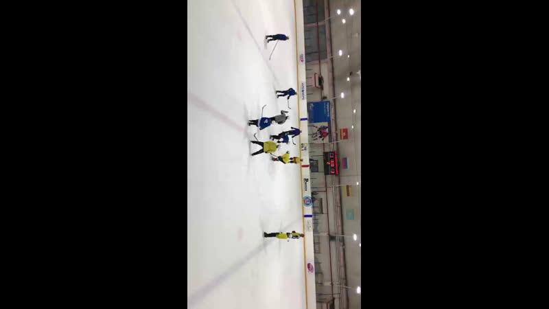 Матч за 1 место Школа №10 (желтые) - Школа №17 (синие) Период 2