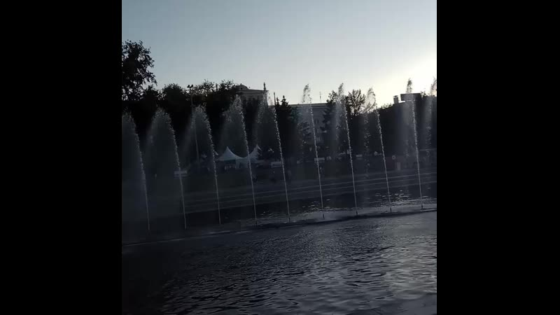 фонтан на плотинке