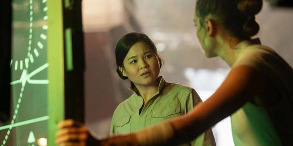 Подсчитано, что Роуз Тико из «Звездных войн», которую сыграла Келли Мэри Тран, имеет всего 1 минуту 16 секунд экранного времени в «Скайуокер. Восход». Из 2 часов 22 минут