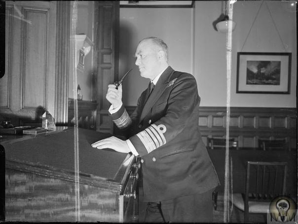 ГЕРОИ ВТОРОЙ МИРОВОЙ ВОЙНЫ. КЭННИНГХЕМ (Кенингем) ЭНДРЮ БРАУН (07.01.188312.06.1963) виконт, английский военно-морской деятель, адмирал флота (1943) Сэр Эндрю Кэннингхем родился в Эдинбурге 7