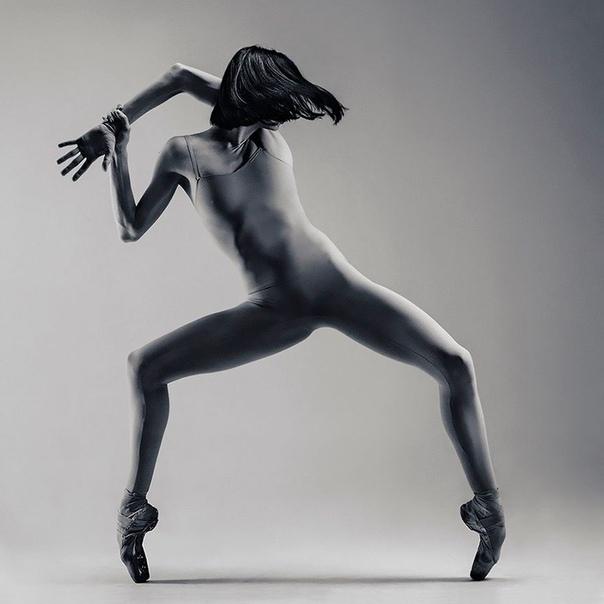 Вадим Штейн  украинский скульптор, который фотографирует танцоров