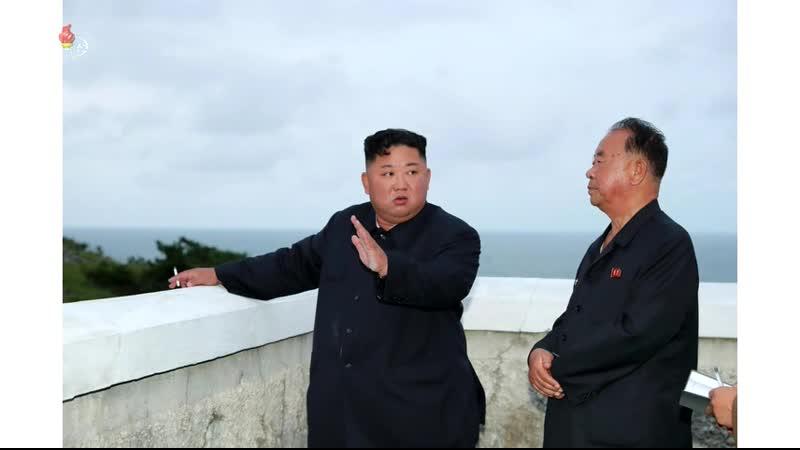 경애하는 최고령도자 김정은동지께서 새 무기 시험사격을 지도하시였다
