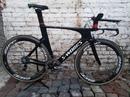 Вот такой велосипед топового уровня бывал в нашей мастерской. specialized s-works shiv.  Все очень к