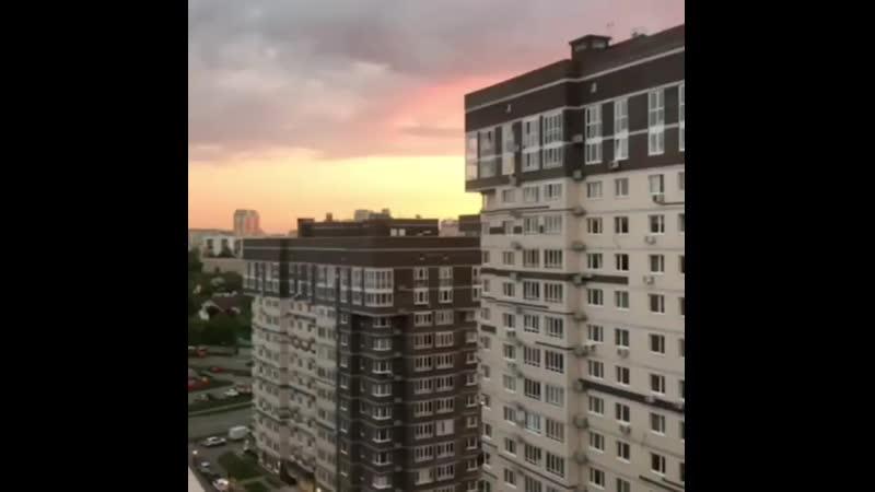 Красочный закат в Татьянином Парке