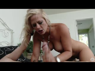 Holly heart. fucking with horny blonde who likes taste of cum (720)
