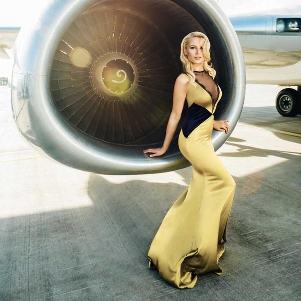 Латвийская национальная авиакомпания airBaltic представила календарь, моделями д...