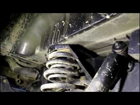 Замена втулок заднего амортизатора на Land Rover Defender Ленд Ровер Дефендер 2013 года