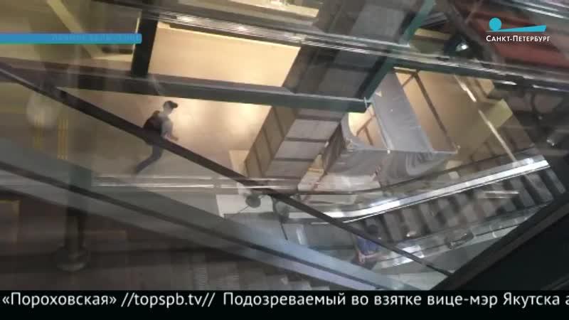 На Ладожском вокзале не работает эскалатор