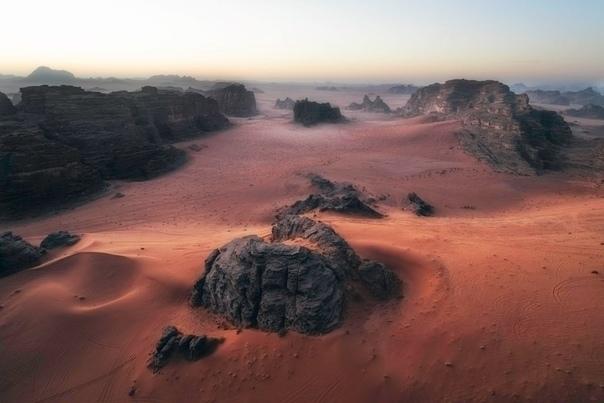 Инопланетный пейзаж Аравийской пустыни