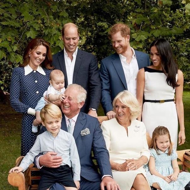 12 необычных правил, которым должны следовать королевские дети