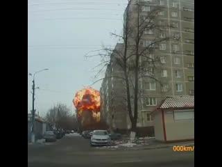 Мощный взрыв на подстанции в Подольске сняли на видео