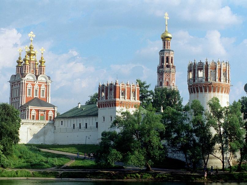 10 августа 1524 г. - Основан Новодевичий монастырь в Москве