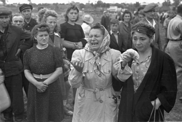 ПОГРОМ В КЕЛЬЦЕ Погром в Кельце. Самый кровавый из послевоенных еврейских погромов, в ходе которого было убито более 40 человек и около 50-ти получили увечья Казалось бы, ход трагедии