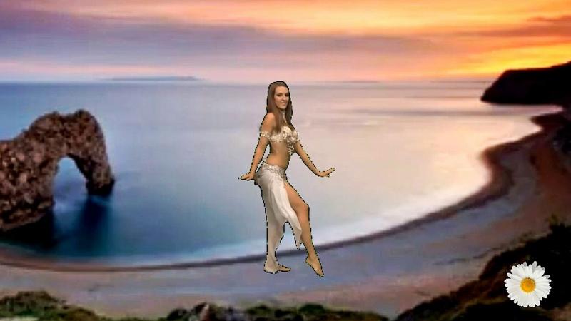 Девушка танцует Bellydance танец живота .