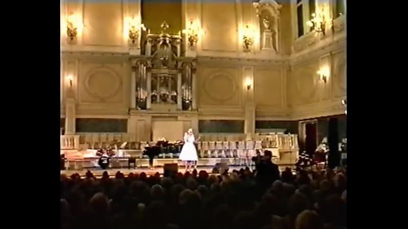 Людмила Сенчина - песня Вы мне теперь неинтересны, музыка Я.Дубравина, стихи В.Гина.
