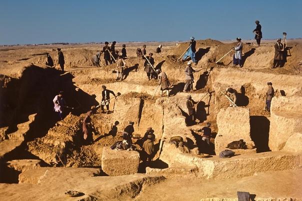НЕВЕДОМАЯ АЗИЯ Чаще всего клады находят именно профессиональные археологи. Конечно, обычно это не сокровища в бытовом понимании. Шутка «радость археолога пожар, счастье археолога помойка, мечта