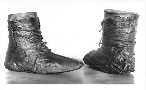 Норвежская обувь из погребения корабля Осеберг в Норвегии
