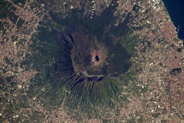 Вулкан Везувий (Неаполь, Италия)