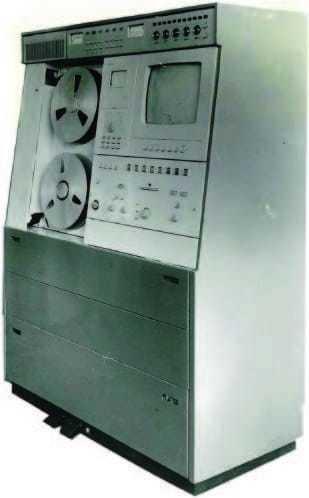 """Это советский видеомагнитофон """"Электрон 2"""", Ленинград, СССР, 1966 год."""