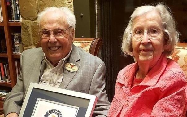 Ей 105 лет, ему  106: старейшая пара в мире отметила 80-летие свадьбы