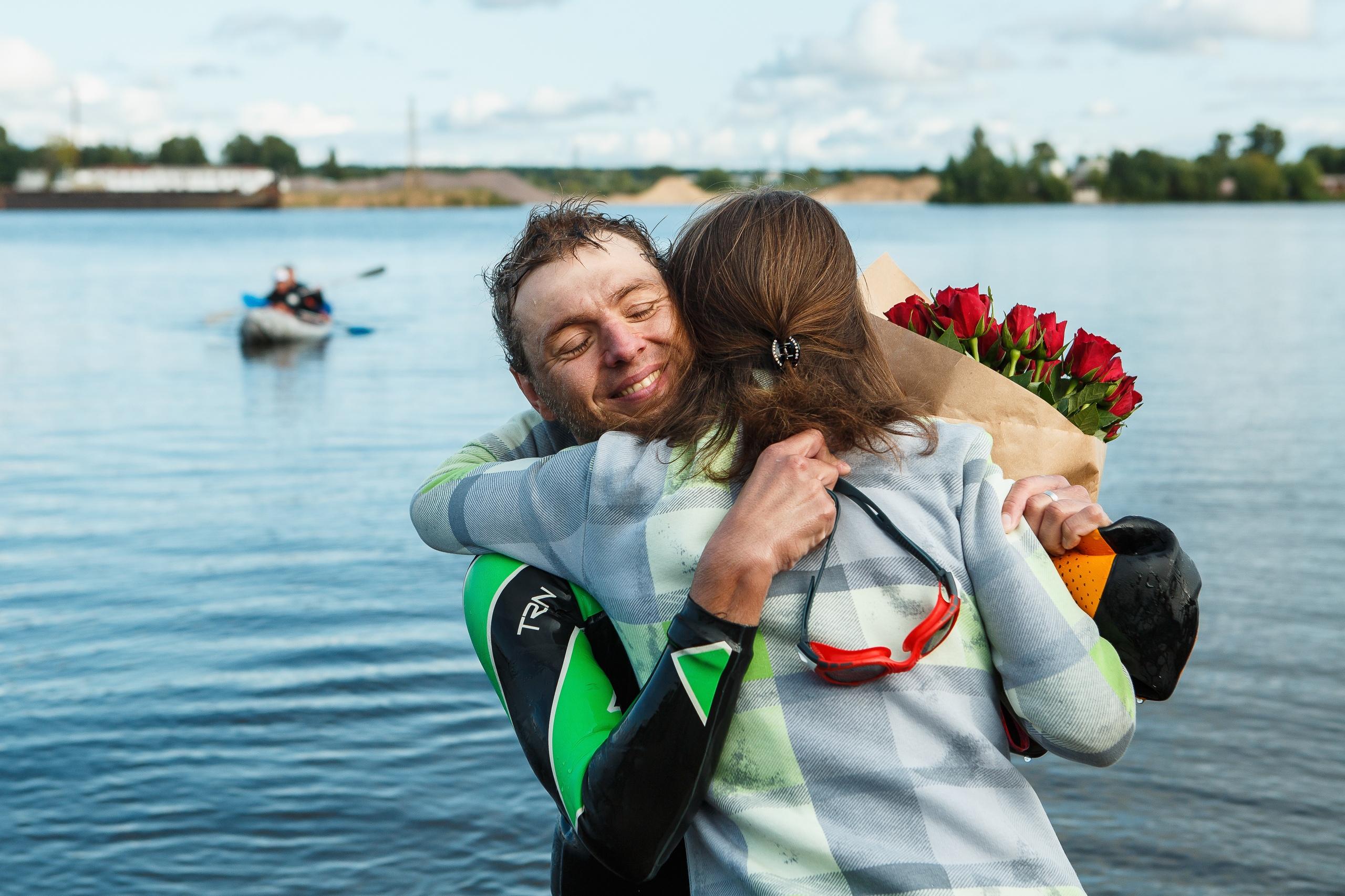 Спортсмен Иван Серебряков из города Кимры совершил «Заплыв Добра» ради помощи детям