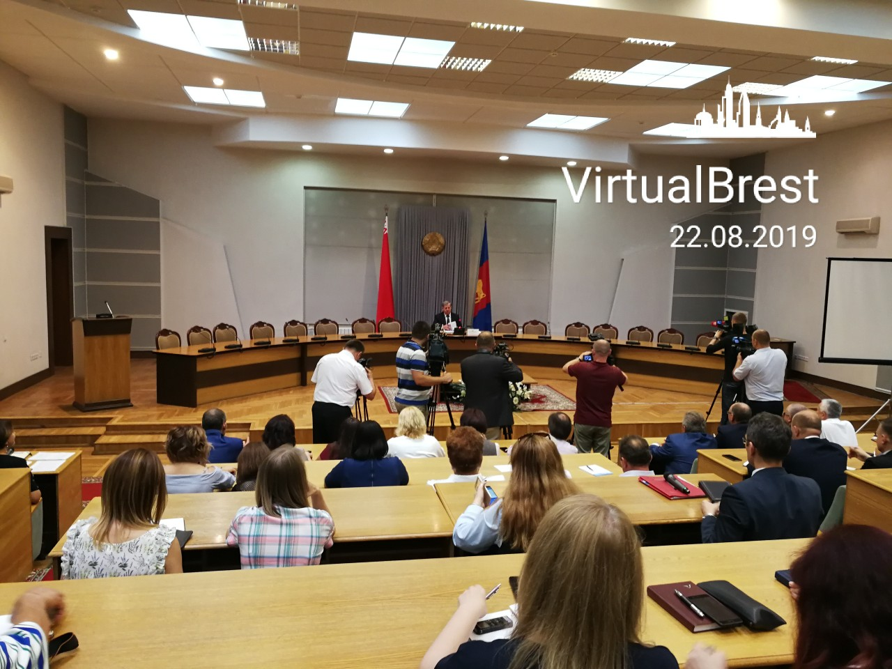 Председатель Брестского облисполкома Анатолий Лис провёл пресс-конференцию (трансляция)