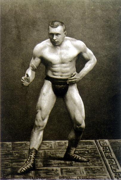 АТЛЕТ ГЕОРГ ЛУРИХ - ЧЕМПИОН РОССИИ И МИРА Распространенное мнение, что, мол, «сила есть ума не надо» (так обычно думают люди, далекие от спорта), по отношению к Луриху может показаться