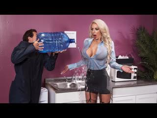 [brazzers] nicolette shea water cooler cock newporn2019